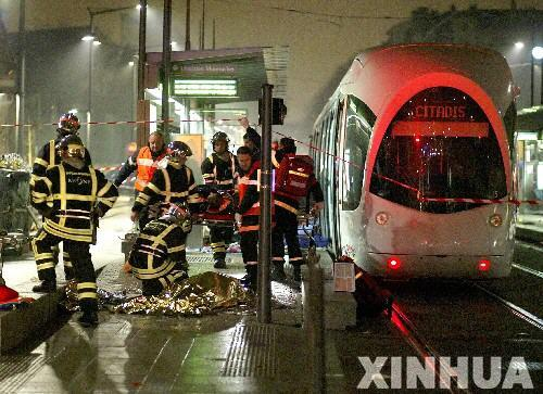 飛び込み自殺者が発生した時の駅のホームの様子